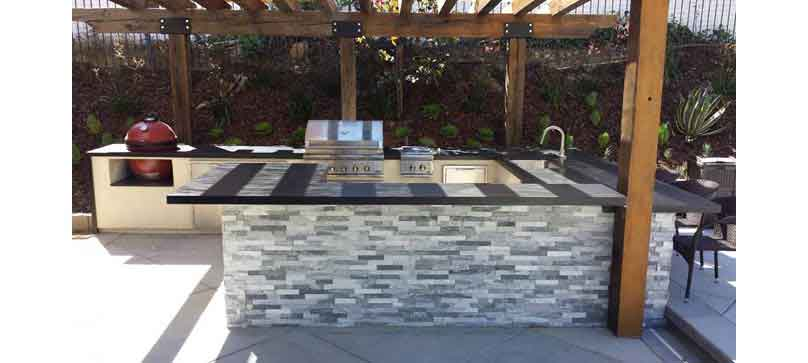 Creating A Kitchen For Entertaining: Outdoor Kitchen Islands